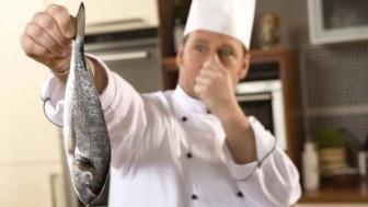 Eldeki Balık Kokusu Nasıl Çıkar?