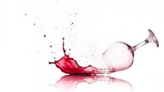 Giysideki Şarap Lekesi Nasıl Çıkarılır?