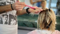 Yanmış Saçlar Nasıl Boyanır?