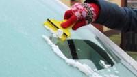 Arabanın Camındaki Buz Nasıl Temizlenir?