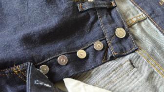 Kapanmayan Pantolon Düğmesi Nasıl Kapatılır?