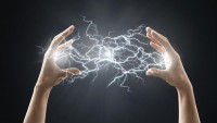 Vücuttaki Statik Elektrik Nasıl Atılır?