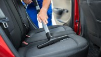 Arabadaki Rutubet Kokusu Nasıl Giderilir?