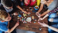 Evde Oynanabilecek 4 Kişilik Oyunlar