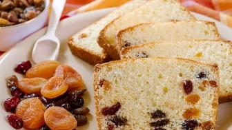 Kek Yaparken Üzümlerin Dibe Çökmemesi İçin Ne Yapılır?