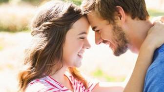 Eski Sevgilisini Unutamayan Kıza Nasıl Davranmalı?