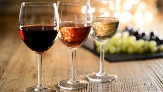 Şampanya ve Beyaz Şarap Lekeleri Nasıl Çıkar?