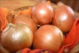 Soğan pratik yolla nasıl soyulur